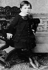 Albert_Einstein_at_the_age_of_three